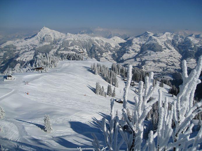 kam-002843-winterwunderwelt-kitzbueheler-alpen-tief-verschneit-fotograf-katharina-szuecs